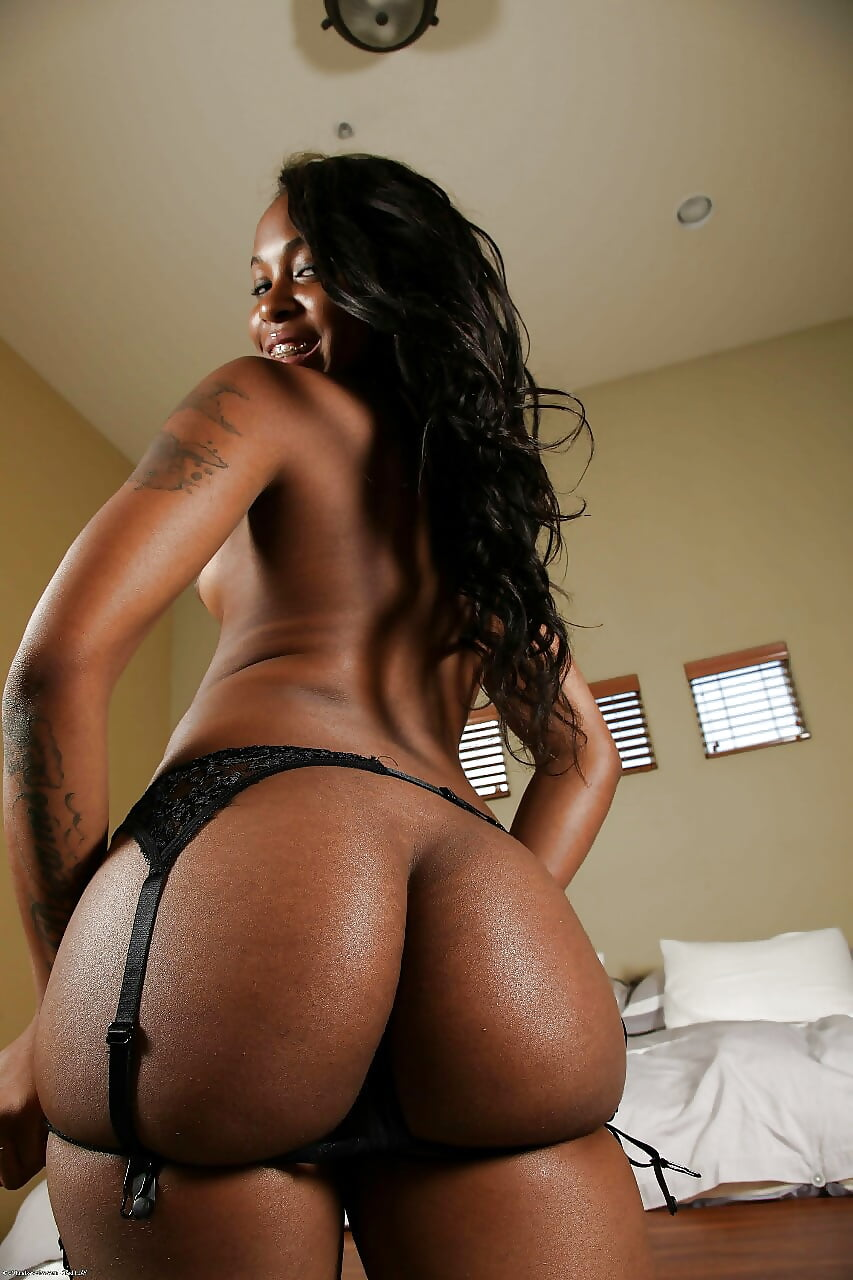 Big black sexy naked ass