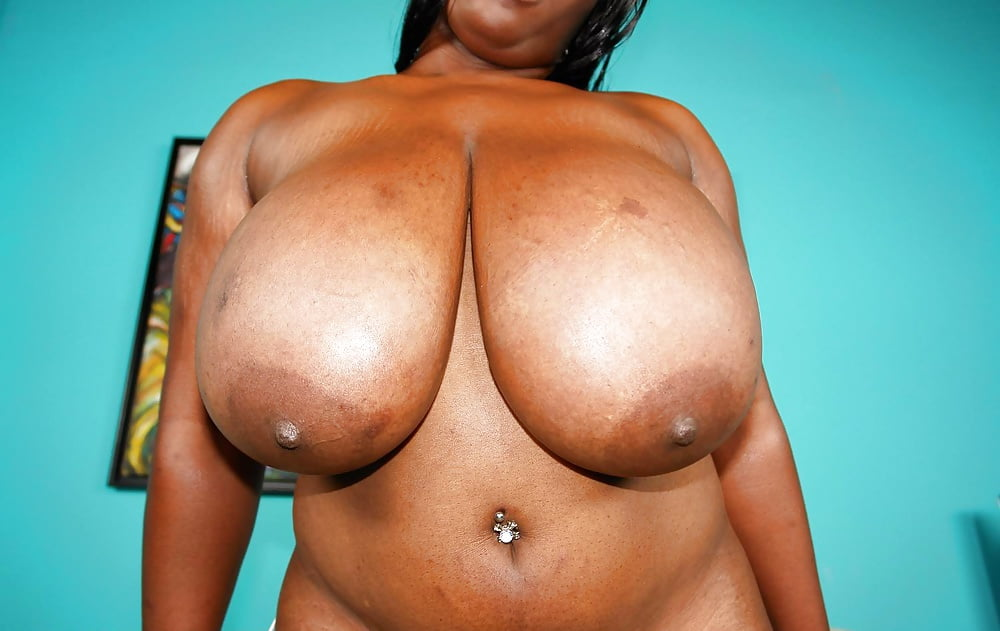 black-tits-n-ass-low-quality-picture-of-babe-flashingboobs