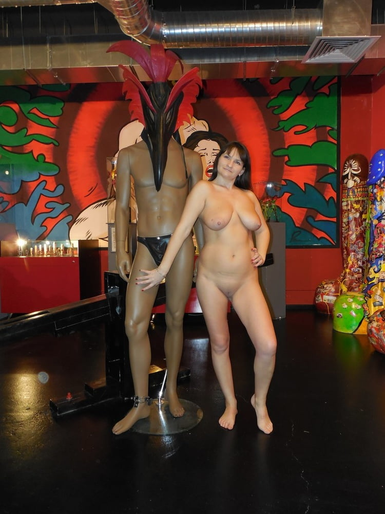 nude-visitor-kissing-while-having-sex-naked