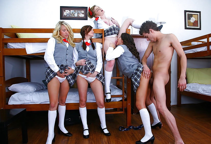 Naked pictures of naughty school girls — img 3