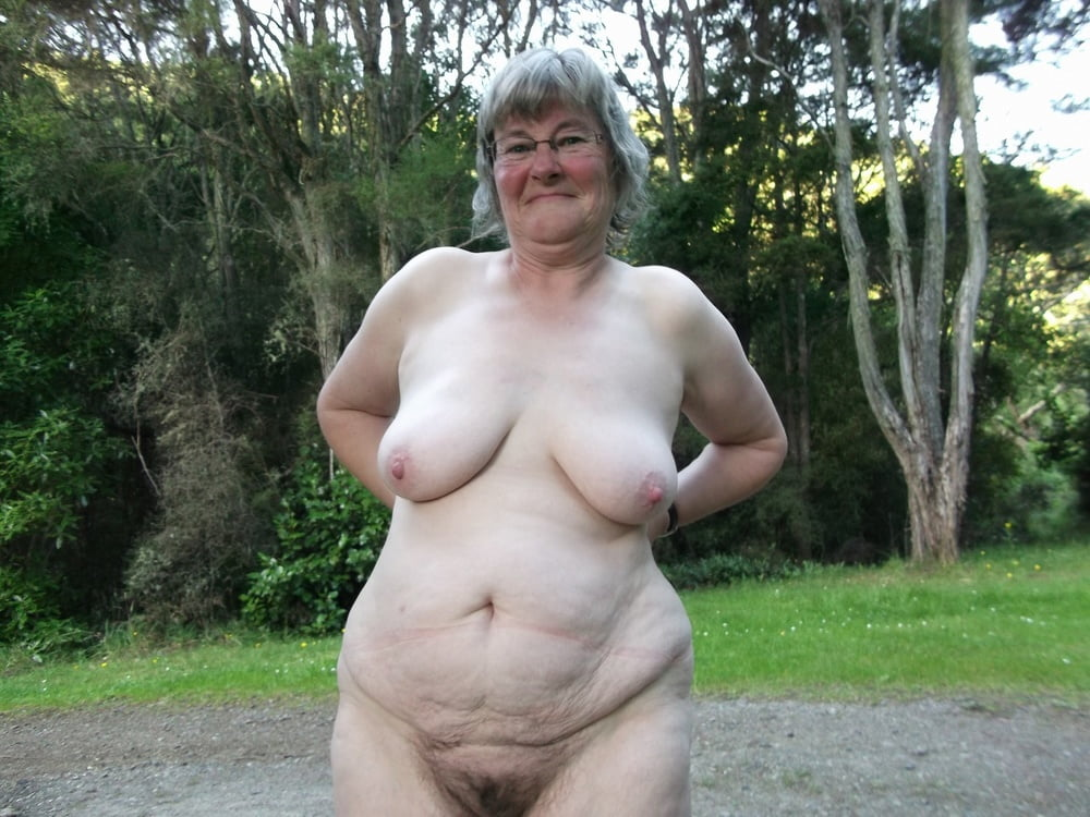Very small saggy tits grannies
