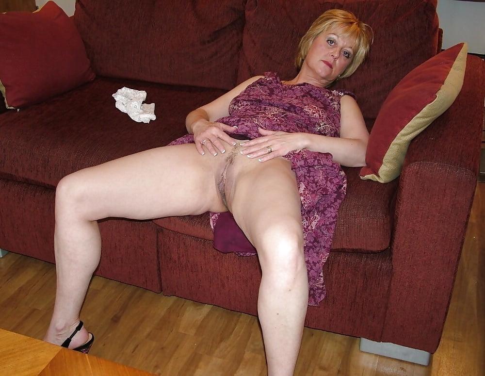 Sexy mature fatty daniella english flashing naked upskirt in kitchen