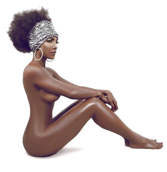Maria Aura Nude