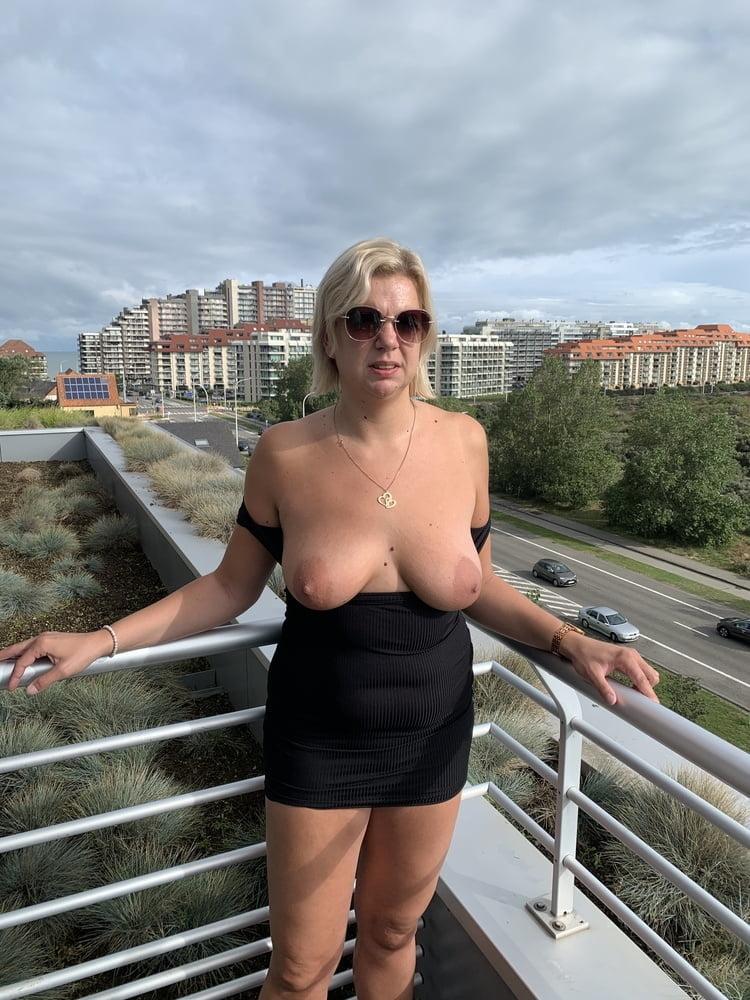 Blonde sexy milf- 9 Pics