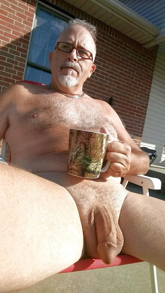 naked-dad-boner