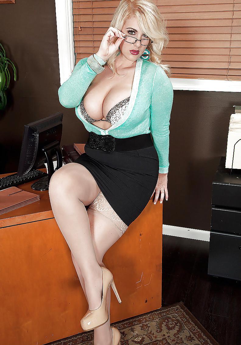 huge-boobs-secretary