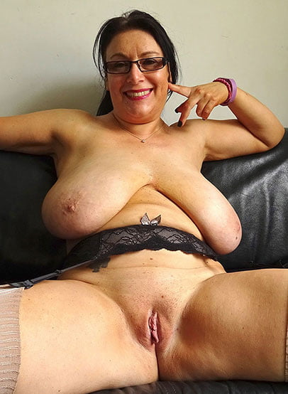 Amateur naked boobs Amy valentine webcam 3