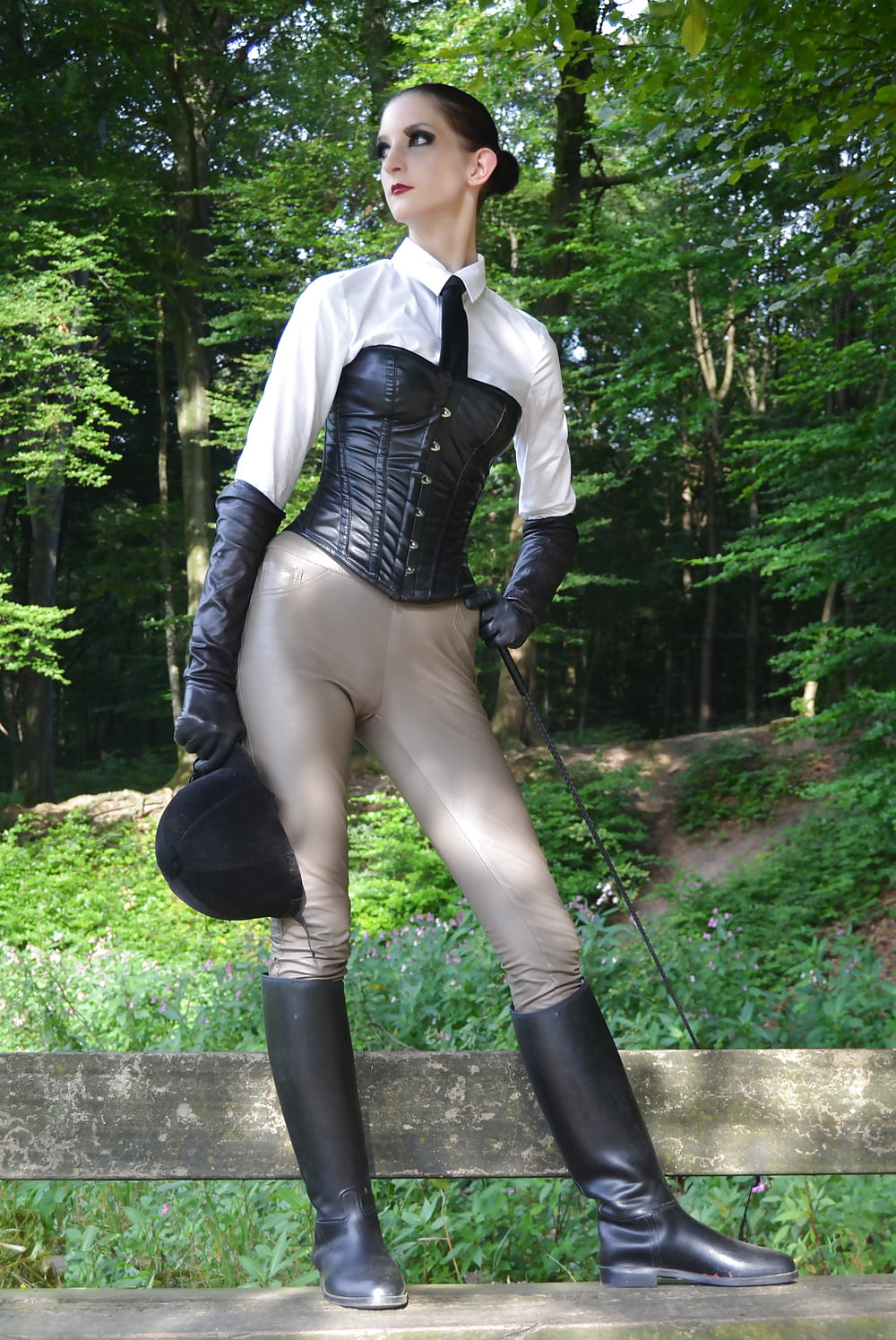 Jodhpurs Dominatrix Lady Sonia