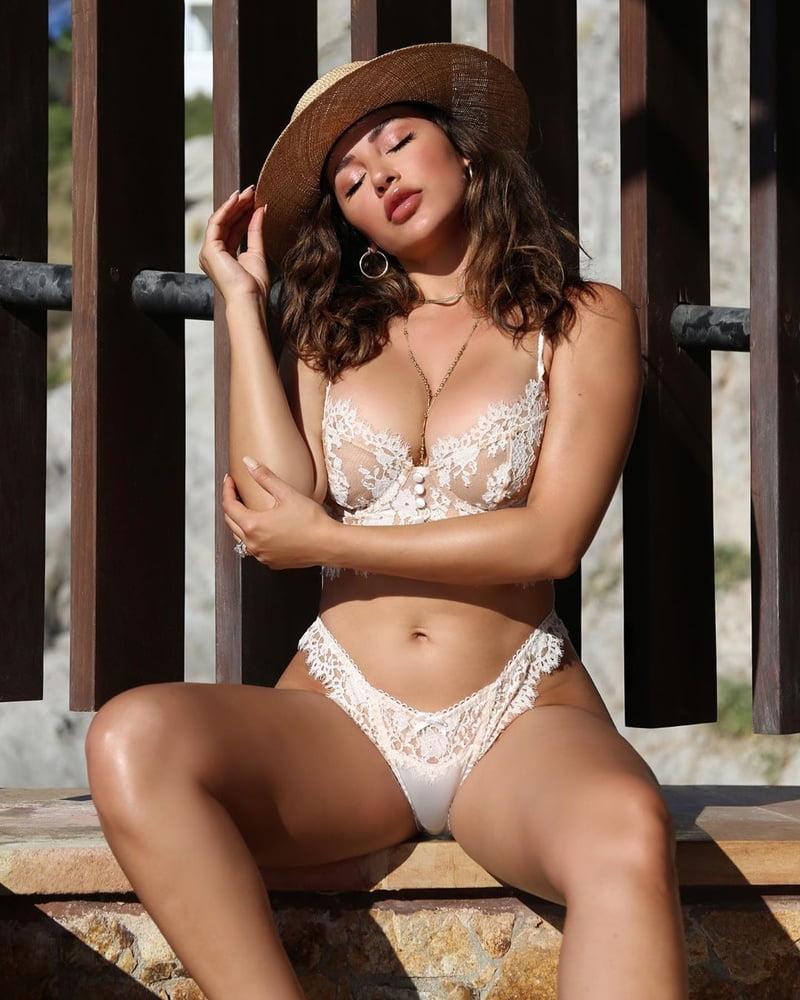 Sexy latina get cumblasted-2050