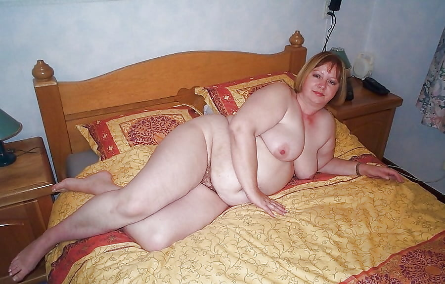 Chubby mature mom — photo 6