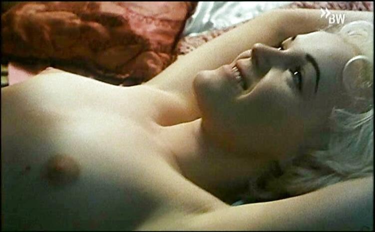 если забирает миранда ричардсон эротическое фото губы влагалища