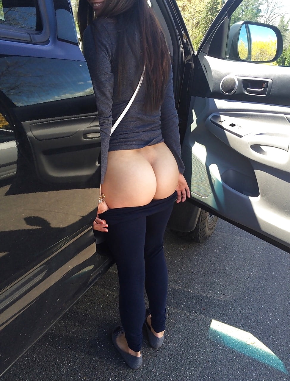 фото русских девушек голых с спущенными штанами большими жопами