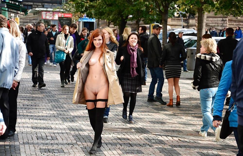 nude-naked-flash-on-the-street-irani-sex-photo
