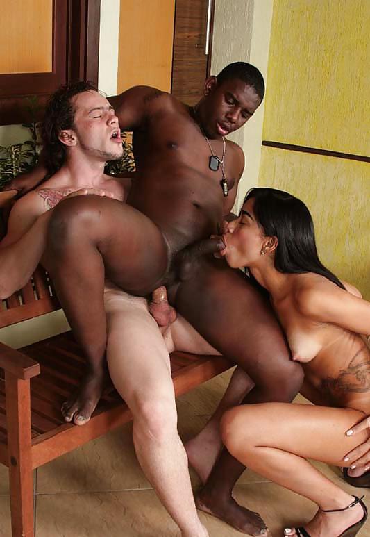 видео горничной порно чернокожая любит групповуху моя