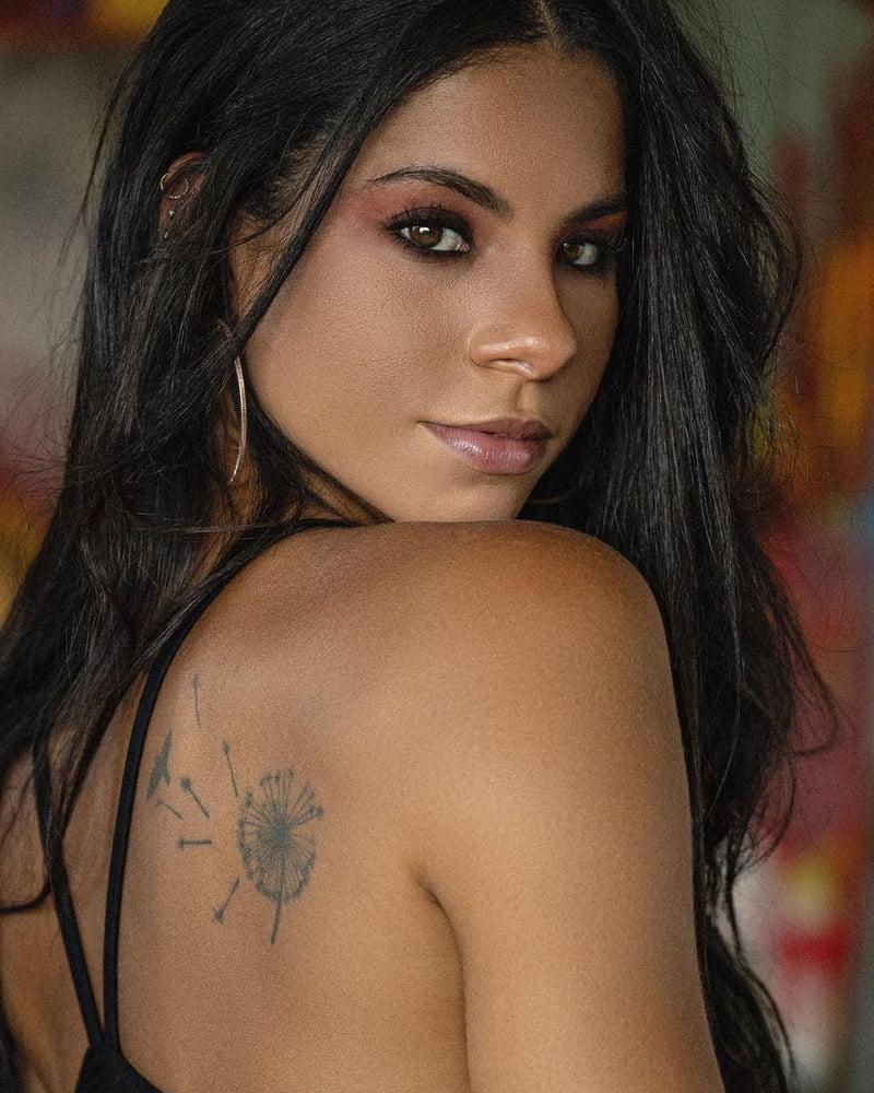 nackt de Oliveira Ingrid Olympian reportedly