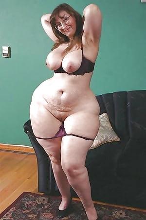 Big booty mature pics