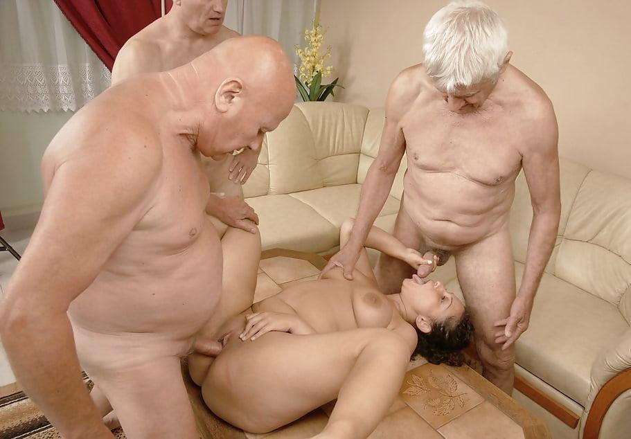 молодые с стариками порно ролики - 1