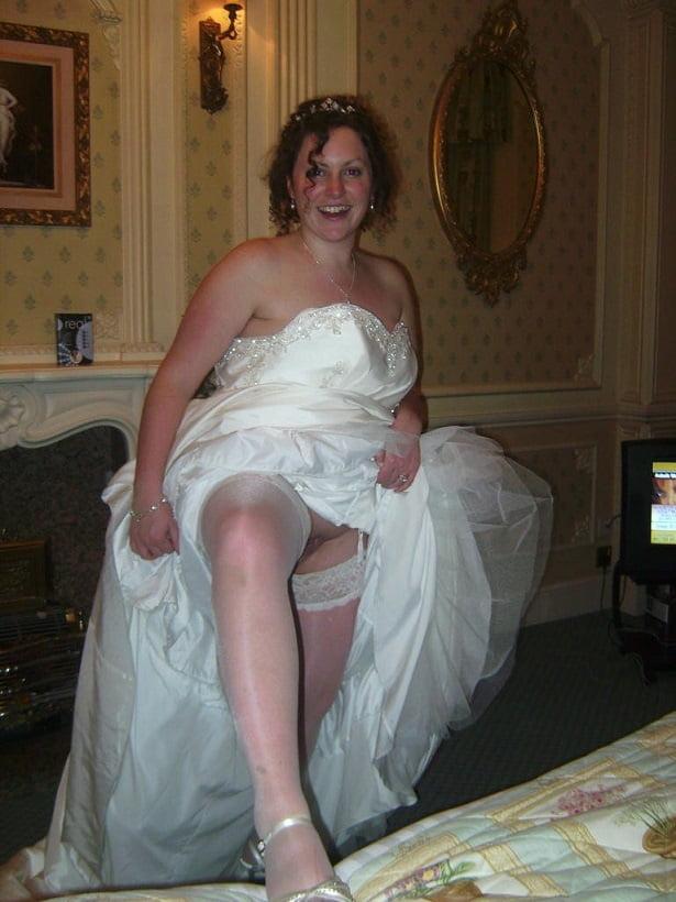 сейчас невесты без трусов пышки установила, что современном