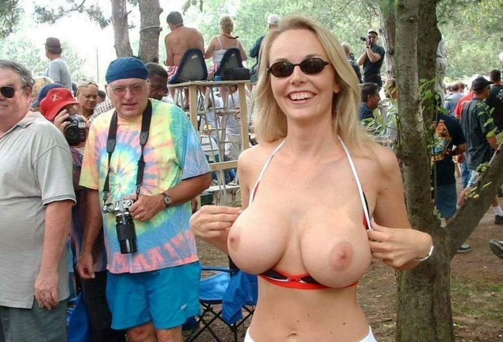 Flashing Tits Pictures