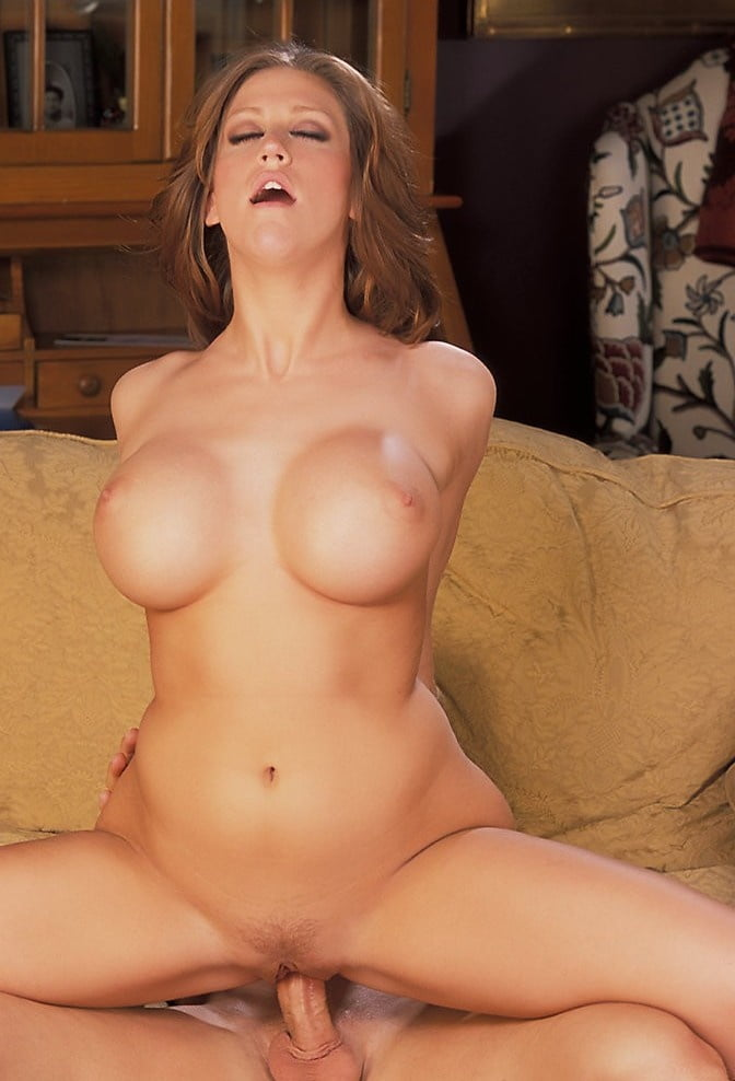 eve-lawrence-pussy-spread