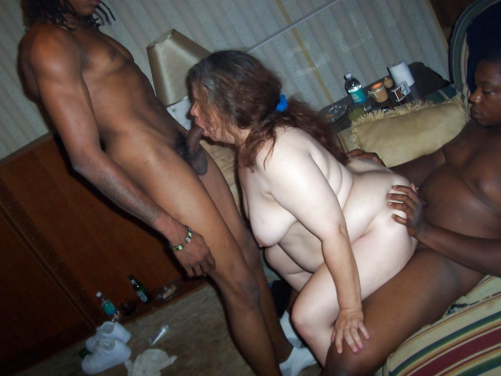 Henery recommend Busty redhead sauceywife