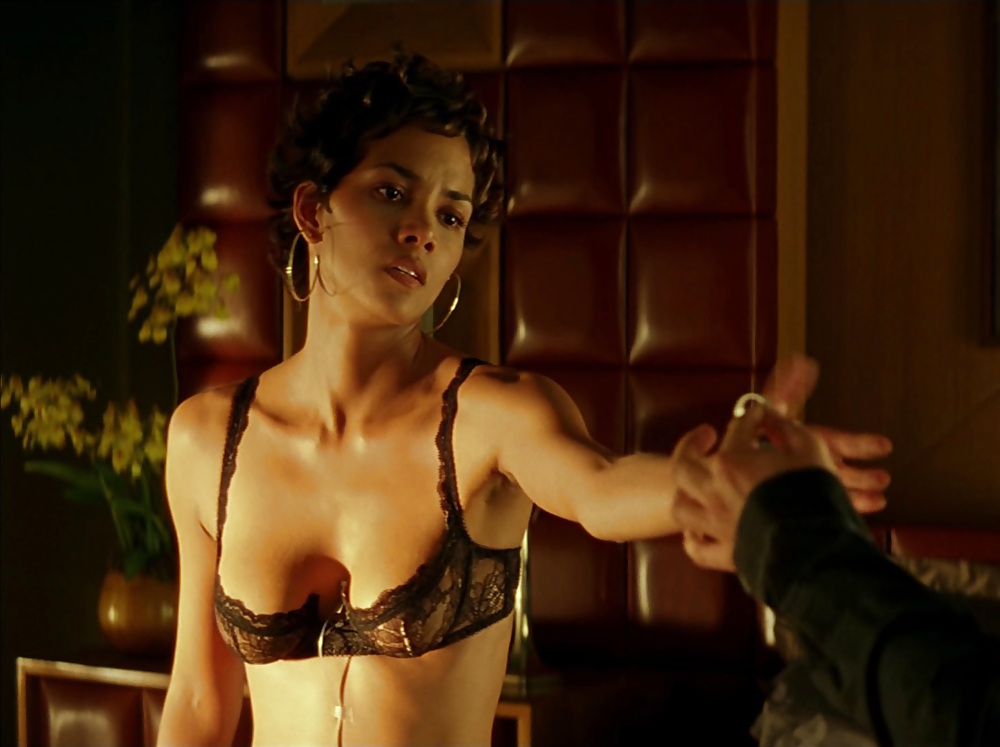 Naked Halle Berry In Swordfish