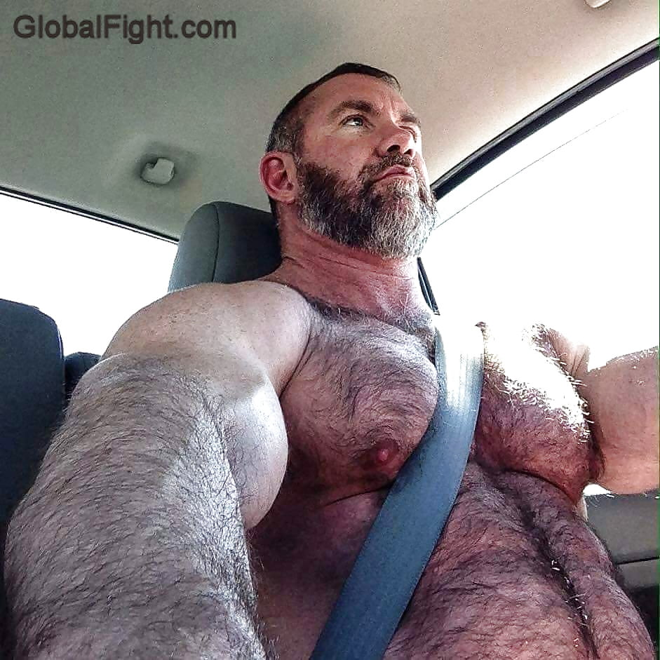Attractive Muscle Bear Naked Photos
