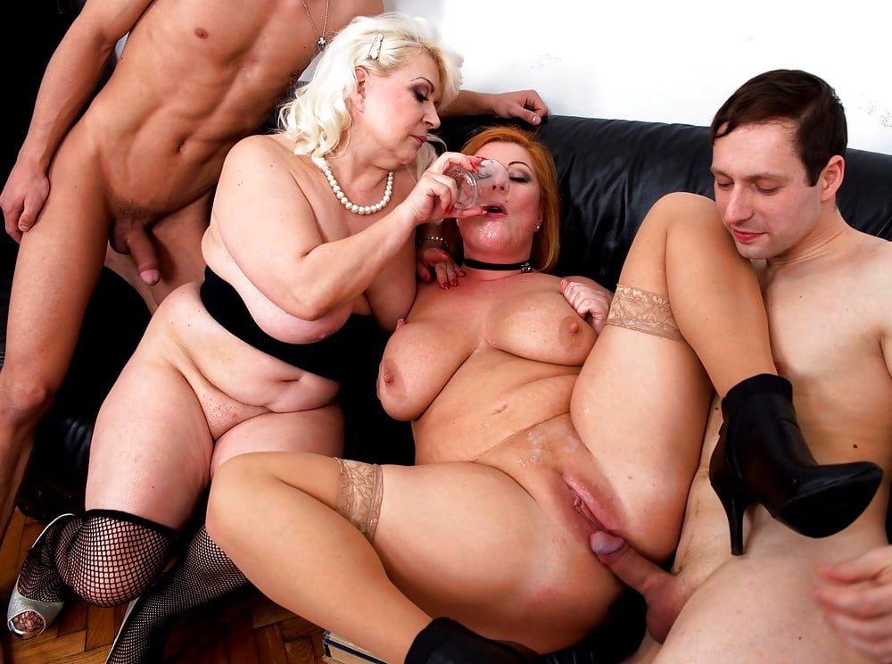 free-mature-group-movies-porn-hot-model