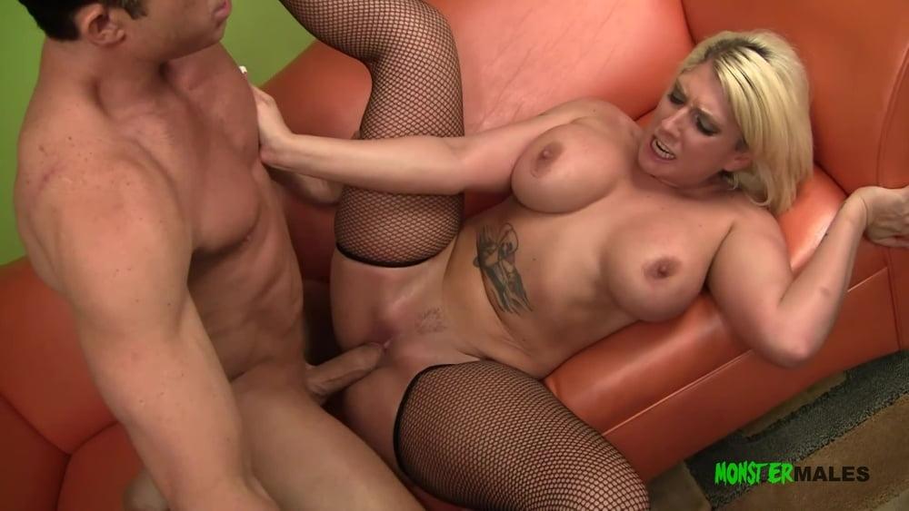 Big tits big ass Kelli Staxxx sucks and fucks a big dick - 14 Pics