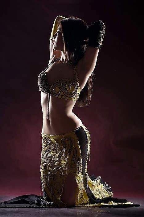 Belly dance of erotica