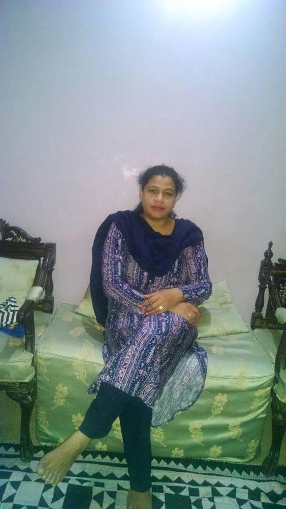 Sadia Khan Yusuf Zai Orangi Town - 7 Pics