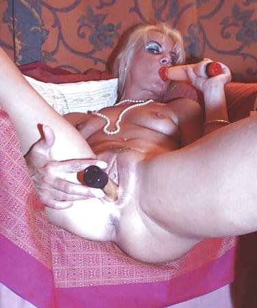 Coco the slut Sexy en Pics of Blonde - 02 - Coco la Perra