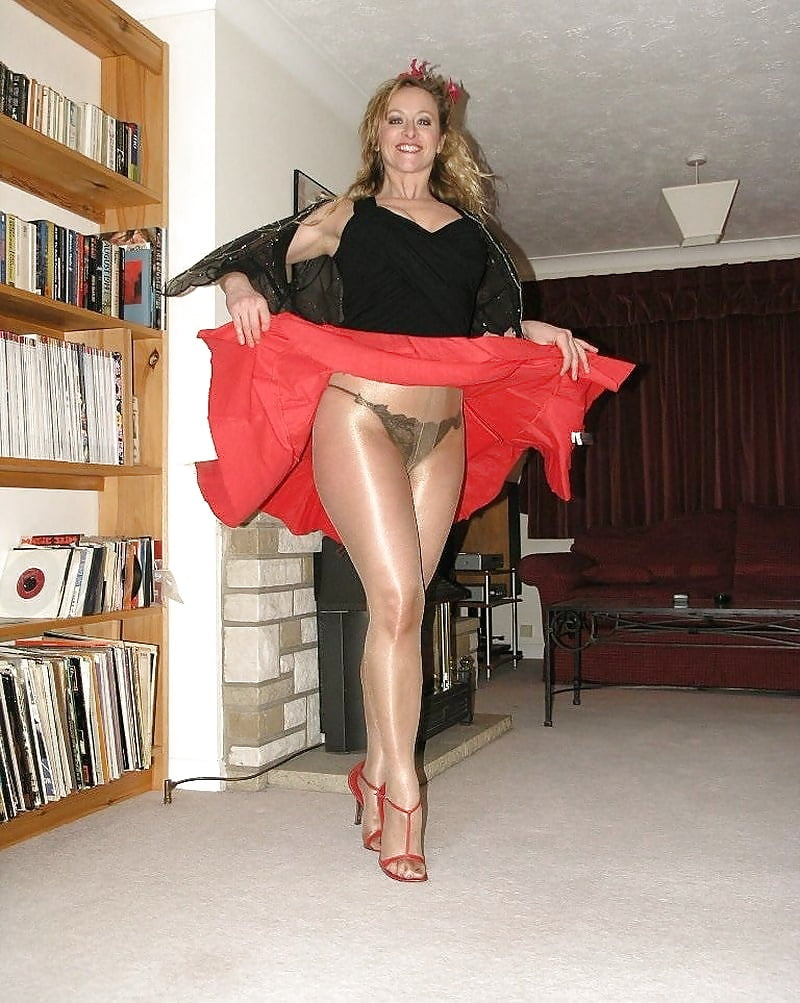 Mom pussy mature mini skirt and underwear shots star women nude