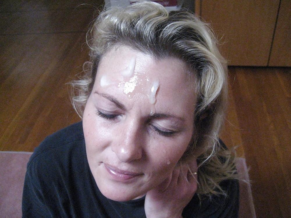 Фото брюнетка со спермой на волосах
