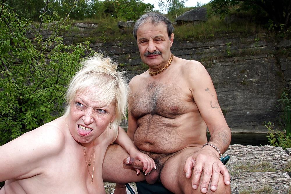 stariy-bomzh-i-molodaya-porno