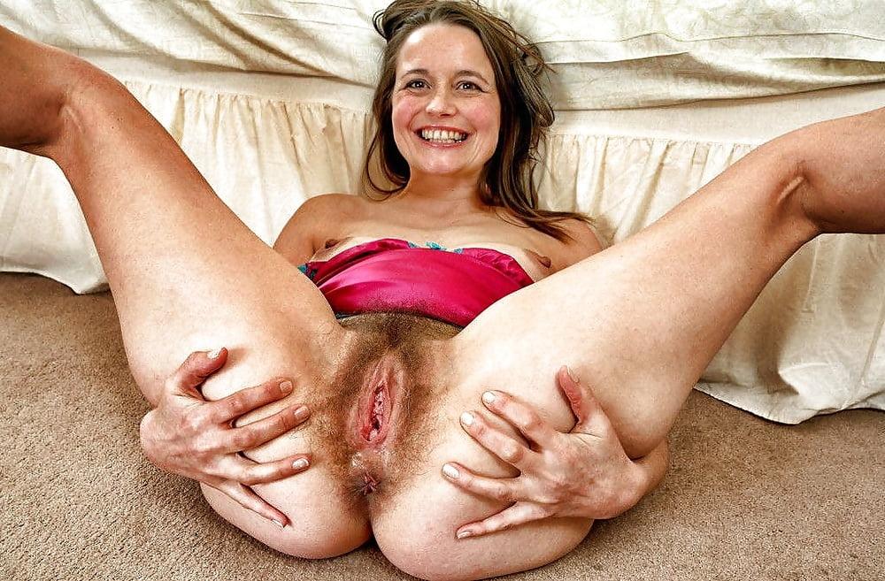 Hairy milfs seduce young girls #2