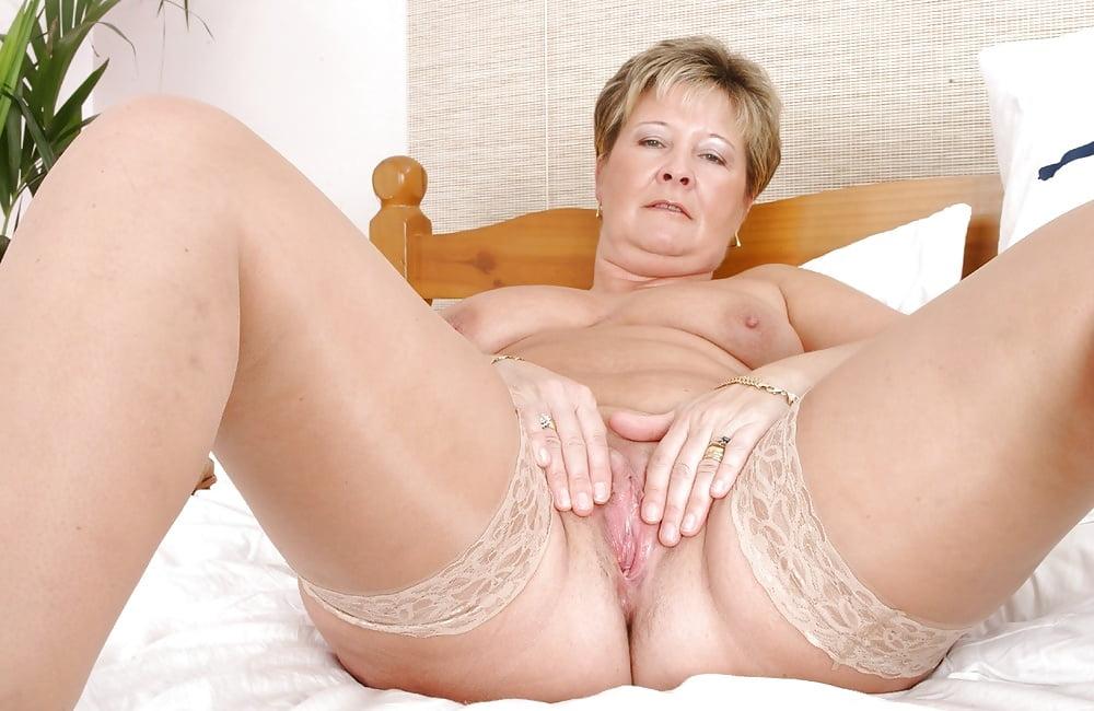 amateur-sex-mature-golden-grannies-girl-nudes-fhotos