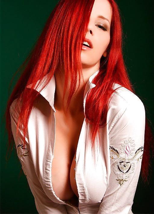 hot-dark-red-haired-girl-naked-thai-nude-dancers-girls