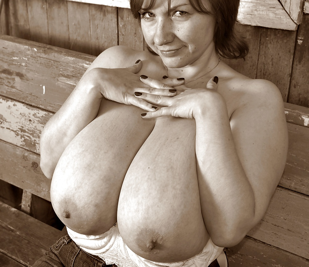 Фото негритянки порно видео в деревне без лифчика