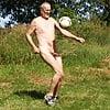 Nacktfußball