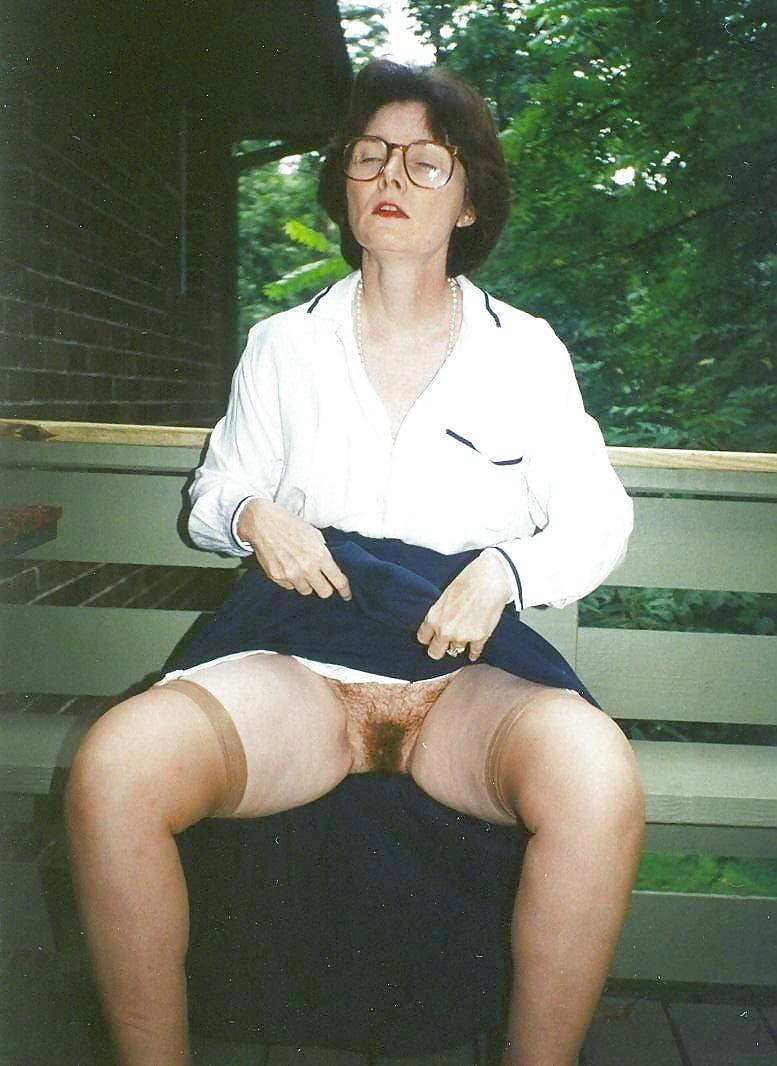 Voyeur upskirt hairy panties