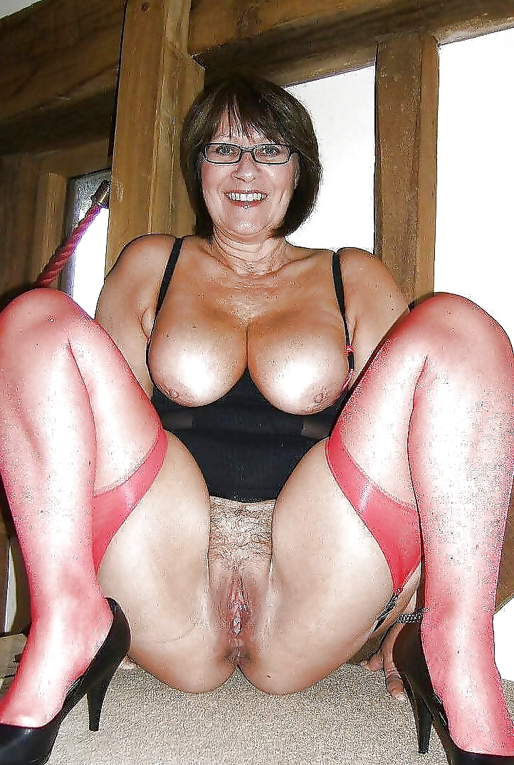 Hot granny pussy
