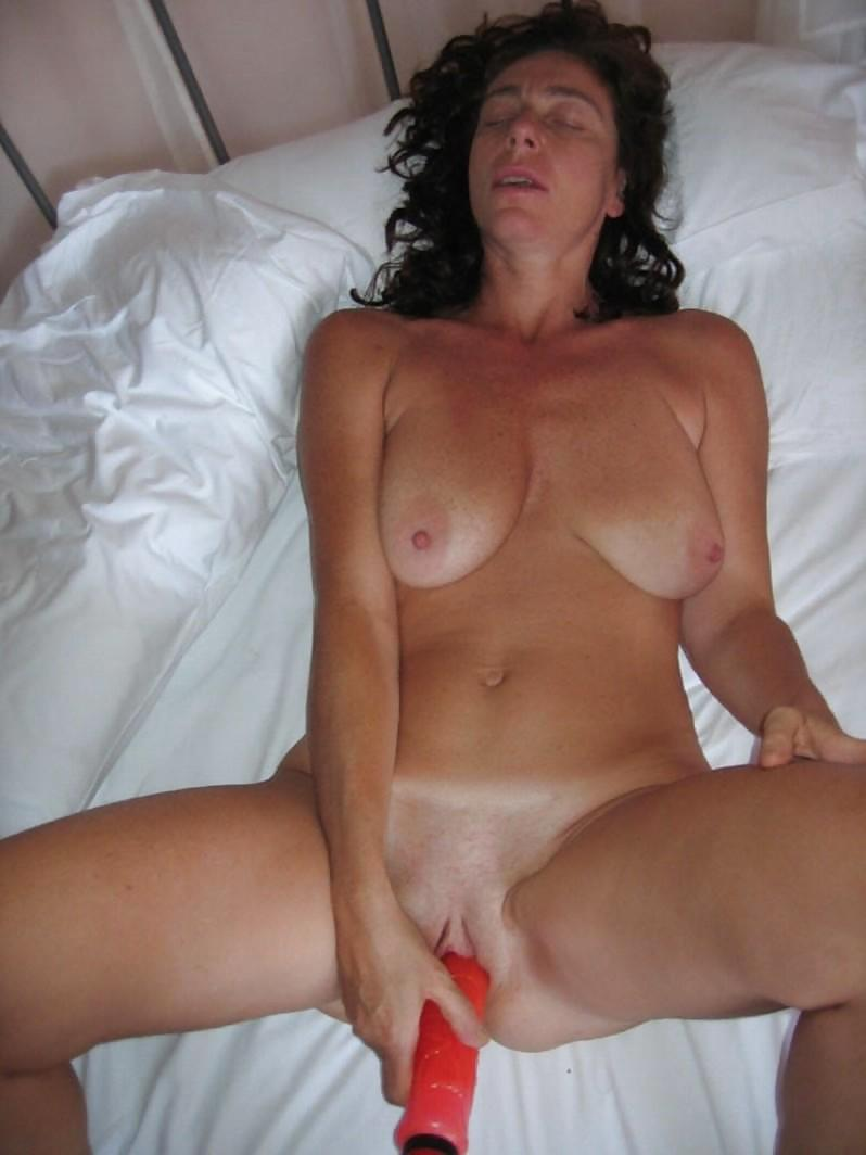 cousteau-interracial-nude-mature-tranies-masterbating-pussy-tgp-clip