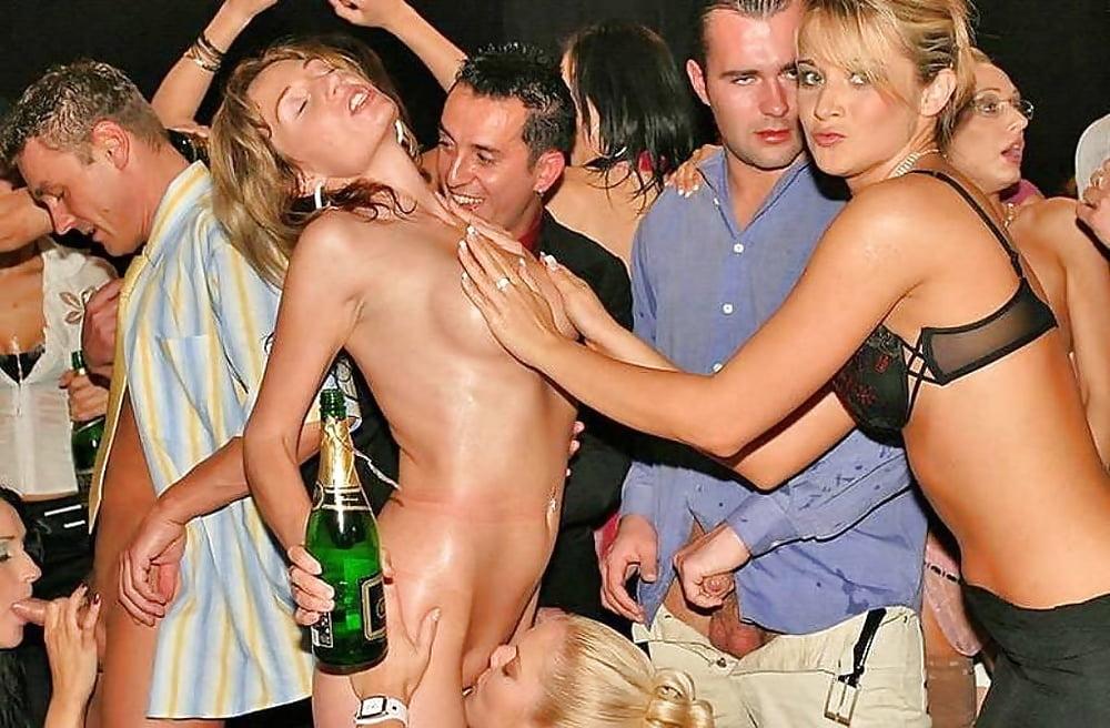 секса откроет русские пьяные вечеринки ххх насадилась своей