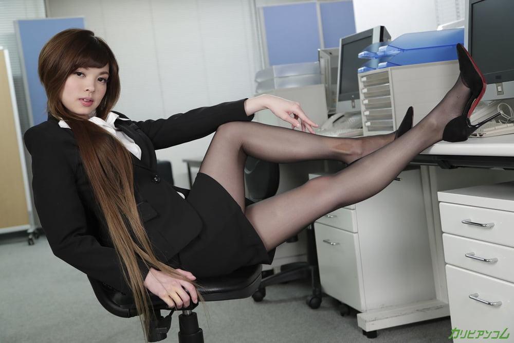 Rin Amane :: The Task of New Employee - CARIBBEANCOM - 20 Pics