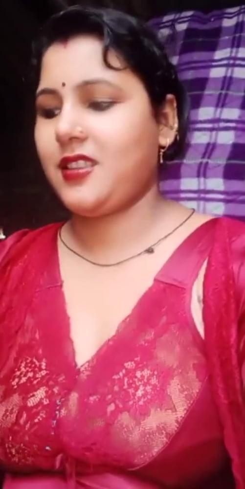 Beautiful Women in Saree - 1125 Pics