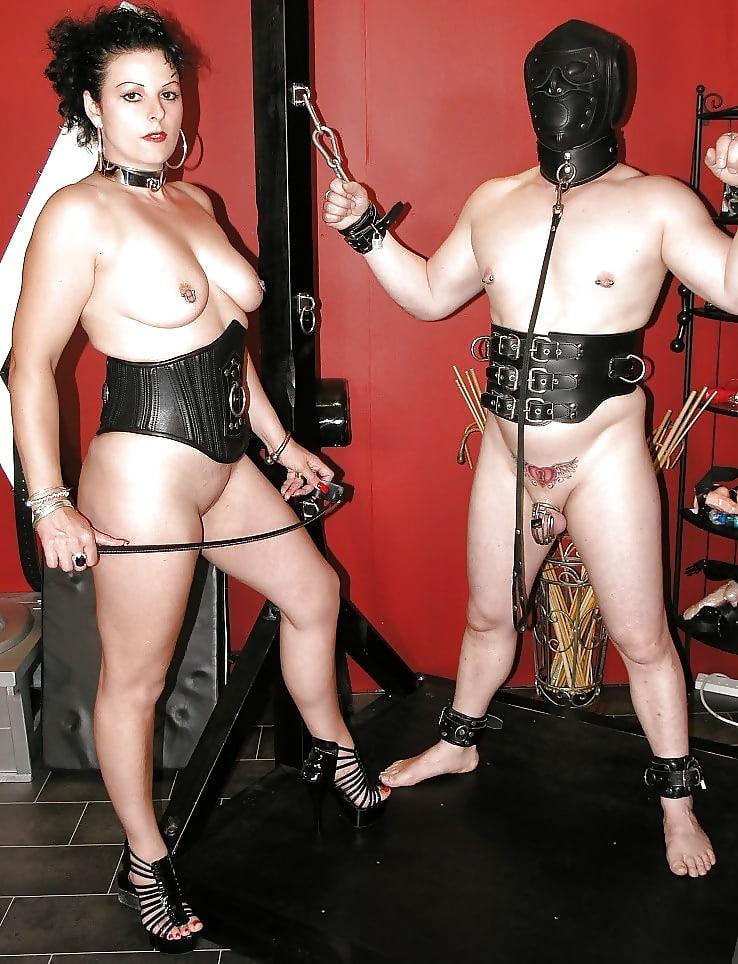 Mistress anal fucks slave