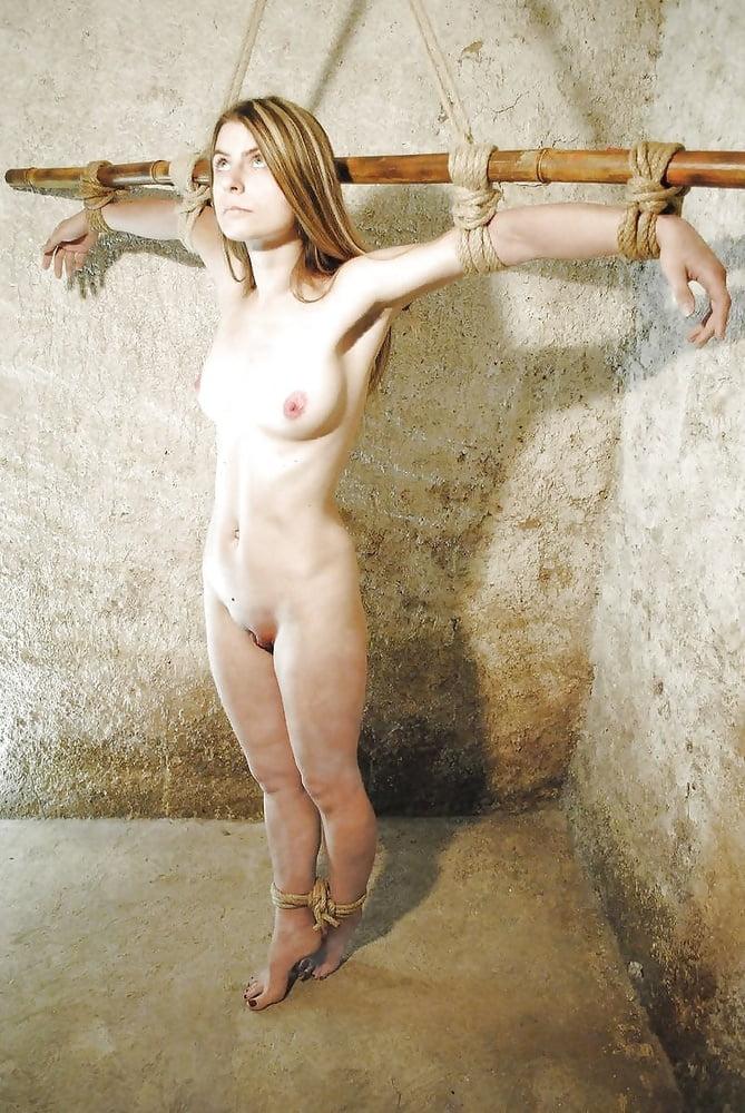 майкъл латоя яна гурьянова эротические фото привязал монику