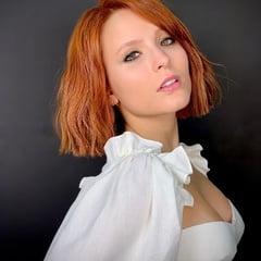 Larissa Manoela  nackt