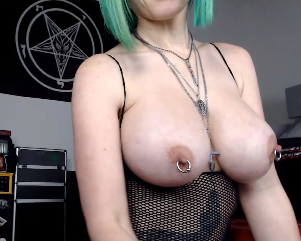 Giant tits webcam